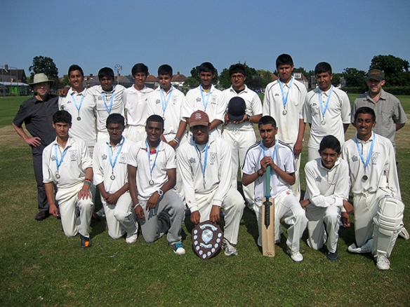cricket_brent_champions_2013
