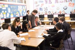 oxford_union_debating_competition_w-119