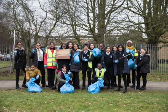 yr7_litter_picking_w-24
