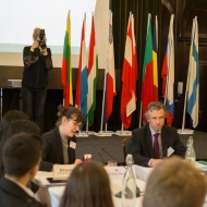 eu_mock_council_debating_w-44
