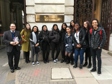 sixth_form_commonwealth_office_291117